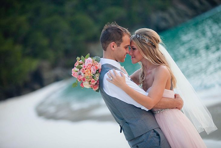 romantic-beach-wedding