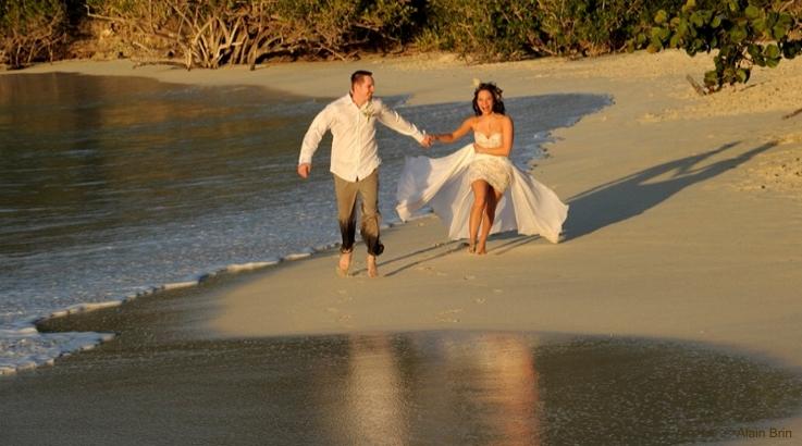 fun-beach-wedding